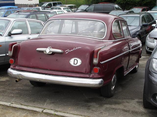 Eine Borgward Isabella in Bernloch. Was für eine bezaubernde Limousine aus den 50er Jahren. Foto: Zenke