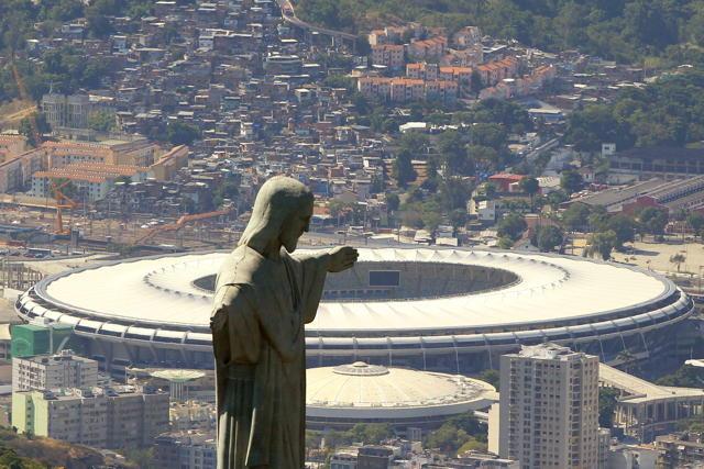 Blick auf das Estadio do Maracana in Rio de Janeiro. Foto: Marcelo  Sayao/dpa