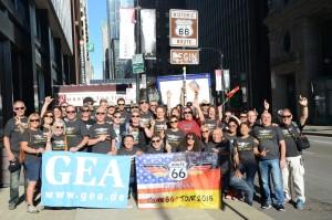 Das erste Gruppenfoto der GEA-Leser auf der Route 66 - Reise. Foto: Hans Jörg Conzelmann