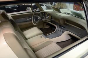 Preisfrage: Zu welchem Fahrzeug gehört dieses Interieur? Wer's weiß, bekommt von mir einen Route-66-Anstecker (der erste, der hier dazu einen Kommentar reinschreibt). Foto: co