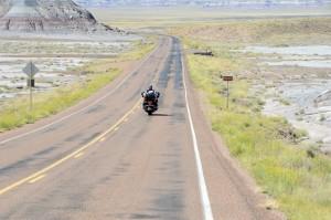 Weite Ebenen: Wir fahren Richtung Canyon-Land. Foto: co