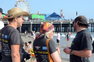Glueckliche GEA-Leser an der Santa Monica Peer. Foto: co