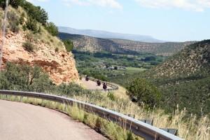 Dort hinten wartet Hopsing: Ritt durch den Canyon. Foto: co
