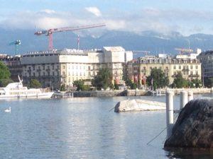 Blick auf das Beau Rivage in Genf. FOTOS: FISCHER